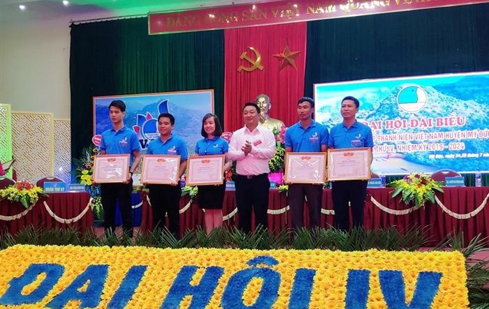 Chị Nguyễn Trang Thu giữ chức Chủ tịch Hội LHTN huyện Mỹ Đức khóa IV