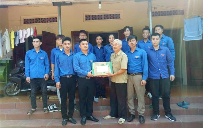 Tuổi trẻ Khối Công nghiệp Hà Nội bày tỏ lòng biết ơn thế hệ đi trước