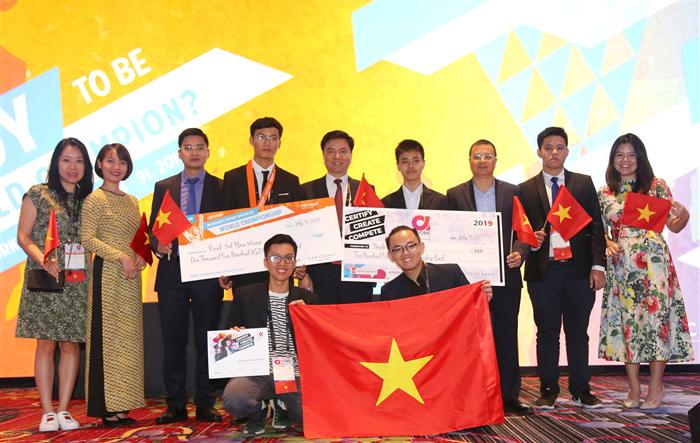Sinh viên Việt Nam giành Huy chương Đồng trong cuộc thi Vô địch Tin học Văn phòng thế giới