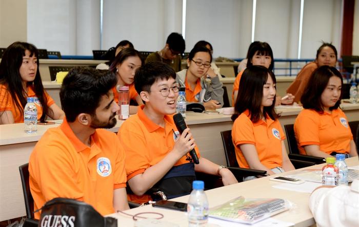 Trường ĐH Kinh tế Quốc dân chào đón sinh viên quốc tế đến học hè