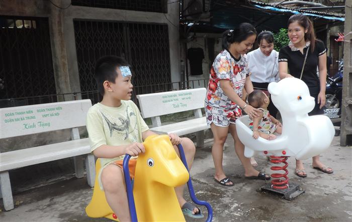 Khánh thành sân chơi tặng thiếu nhi phường Phố Huế