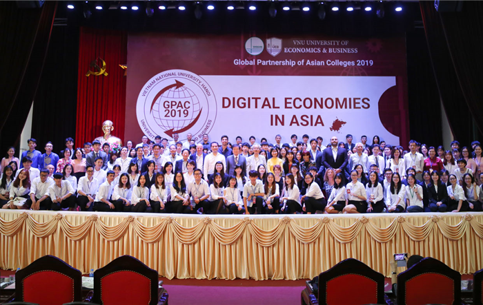 Diễn đàn Sinh viên châu Á tại Hà Nội thu hút nhiều trường ĐH quốc tế