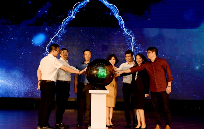 """Hơn 700 sinh viên tham gia """"Tài năng Thương mại điện tử xuyên biên giới Việt Nam"""" 2019"""