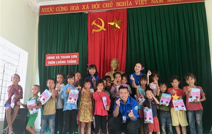 Màu áo xanh tình nguyện của tuổi trẻ Đại học Quốc gia Hà Nội tại xã Thanh Sơn, huyện Ba Chẽ, tỉnh Quảng Ninh