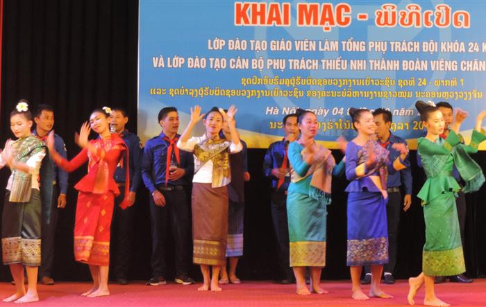 Khai mạc lớp đào tạo phụ trách thiếu nhi Thành đoàn Viêng Chăn (Lào)