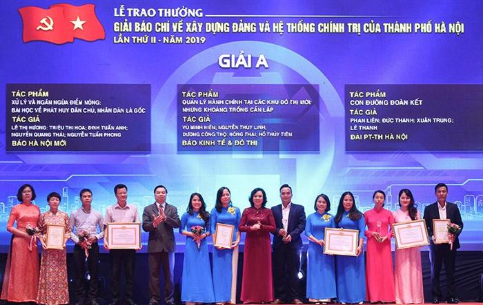 Trao thưởng hai giải báo chí về xây dựng Đảng và phát triển văn hóa người Hà Nội