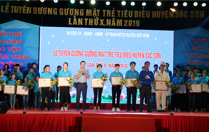Huyện Sóc Sơn tuyên dương 52 gương thanh niên tiên tiến làm theo lời Bác năm 2019