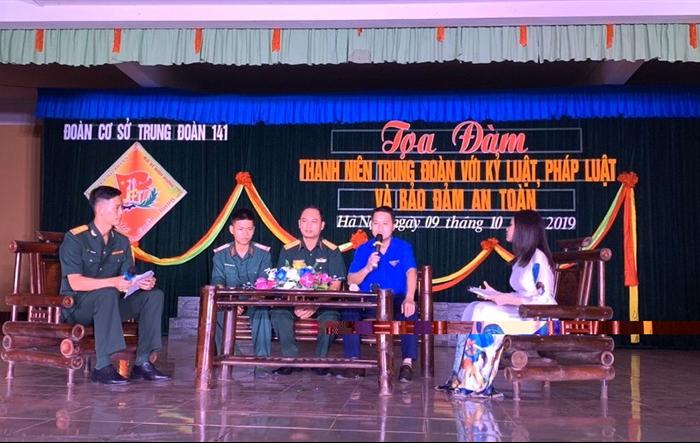 Huyện đoàn Sóc Sơn phối hợp với ĐTN Trung đoàn 141 tổ chức diễn đàn về tuyên truyền pháp luật và đảm bảo an toàn