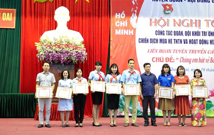 Huyện đoàn - Hội đồng Đội huyện Thanh Oai tổng kết công tác Đoàn, Đội năm học 2018 – 2019; tổng kết Chiến dịch thanh niên tình nguyện hè năm 2019