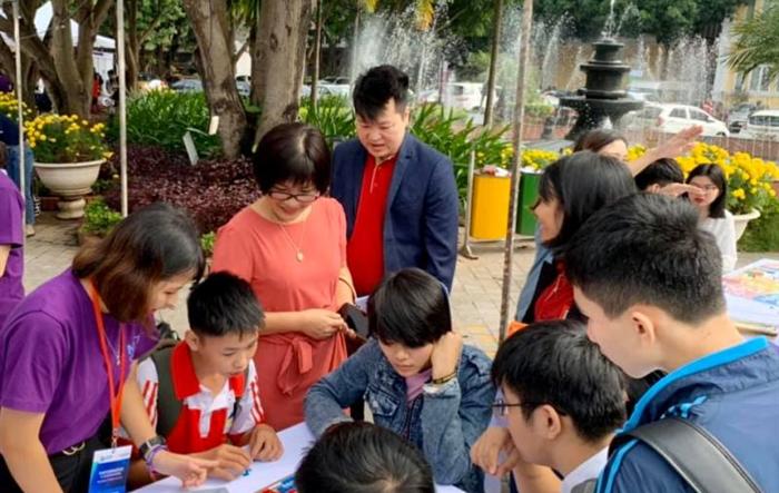 Teen Hà thành say mê với Ngày hội Toán học mở rộng