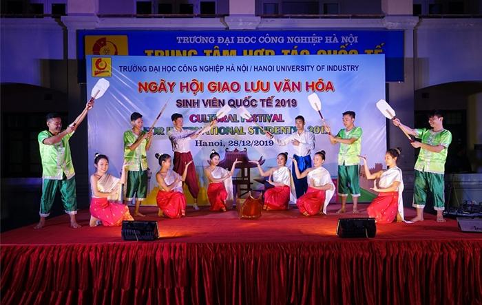 """Nhiều hoạt động hấp dẫn tại """"Ngày hội giao lưu văn hóa sinh viên quốc tế 2019"""""""