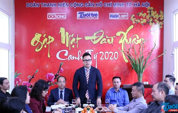 Phó bí thư Thành đoàn Hà Nội chúc mừng năm mới báo Tuổi trẻ Thủ đô