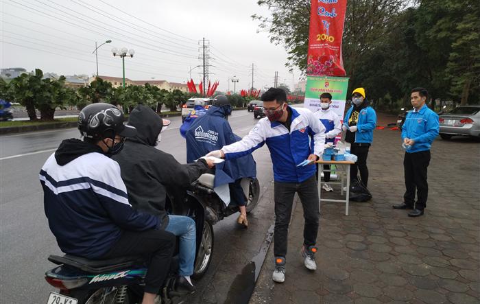 Đoàn Thanh niên quận Long Biên tích cực phòng, chống bệnh viêm đường hô hấp cấp do chủng mới của vi rút Corona