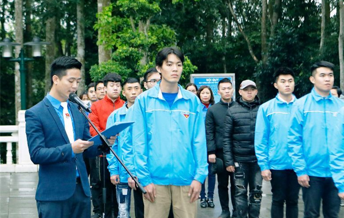 69 tân binh quận Cầu Giấy báo công dâng Bác