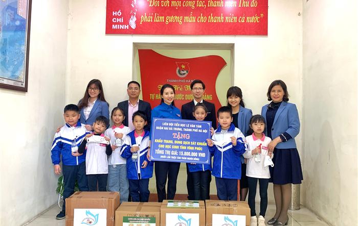 Tuổi trẻ Thủ đô trước dịch Covid-19: Đội viên Thủ đô trao gửi yêu thương đến học sinh, thanh thiếu nhi tỉnh Vĩnh Phúc