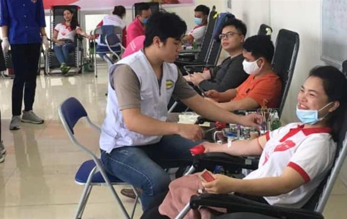 Thanh niên Mê Linh hiến máu tình nguyện đẩy lùi dịch Covid-19