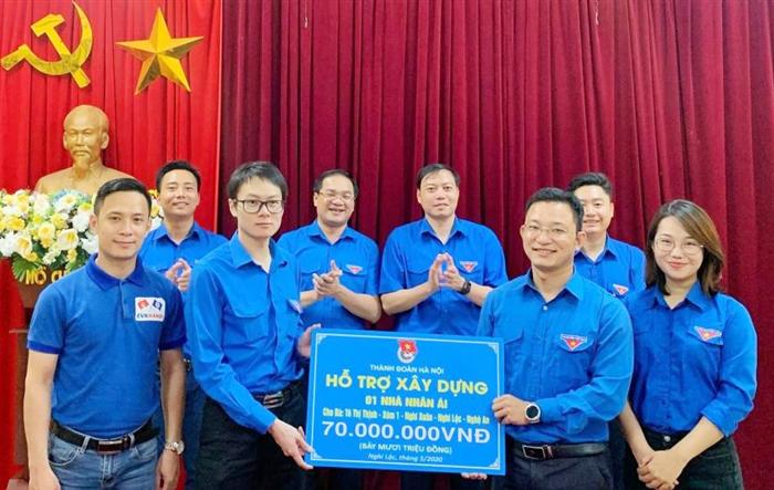 Xây dựng Nhà nhân ái, sân chơi tặng nhân dân và thanh thiếu nhi tỉnh Nghệ An
