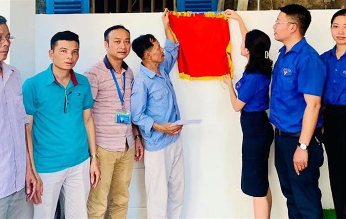 Tuổi trẻ Hà Đông tặng Nhà nhân ái tới hộ nghèo
