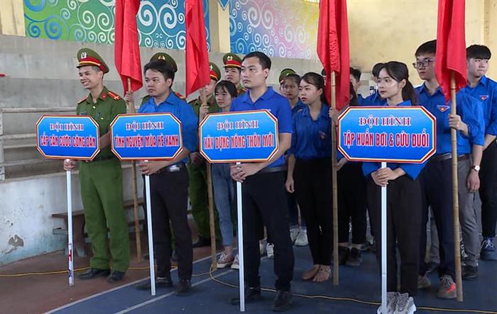 Thanh niên huyện Ứng Hòa sôi nổi tình nguyện hè