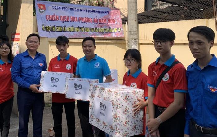 Tuổi trẻ Hoàng Mai ra quân hỗ trợ thí sinh kỳ thi lớp 10