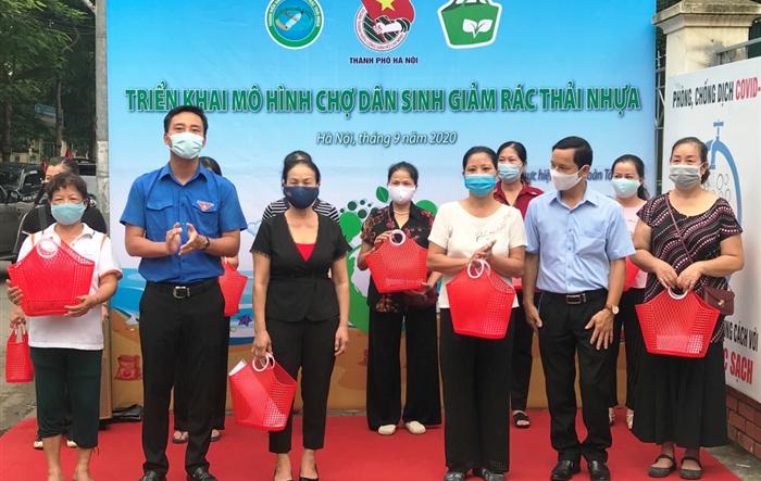 Chợ dân sinh giảm rác thải nhựa Phú Gia