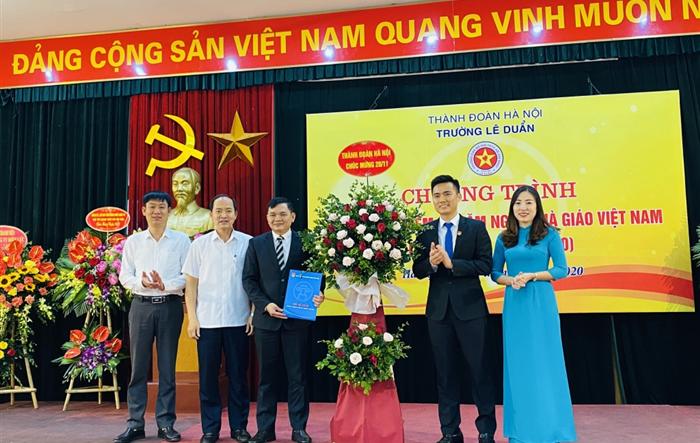 Trường Lê Duẩn tưng bừng mừng ngày Nhà giáo Việt Nam