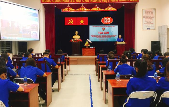 Tuổi trẻ Đại học Công nghiệp Việt - Hung học tập các bài học lý luận chính trị dành cho đoàn viên - Tiên phong đề xuất giải pháp xây dựng giá trị hình mẫu thanh niên thời đại mới