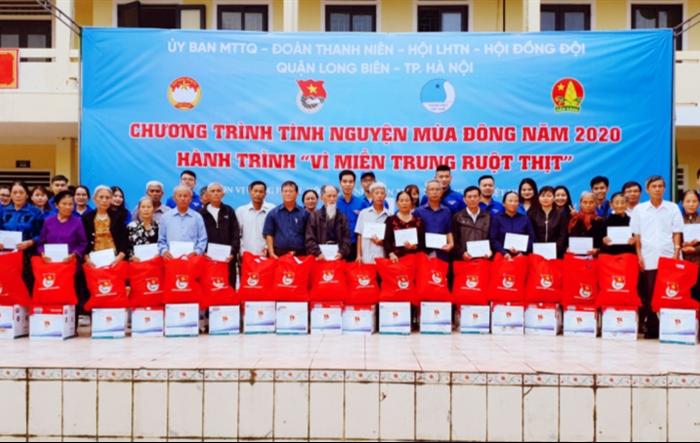 Tình nguyện mùa đông, tuổi trẻ Long Biên mang yêu thương tới miền Trung