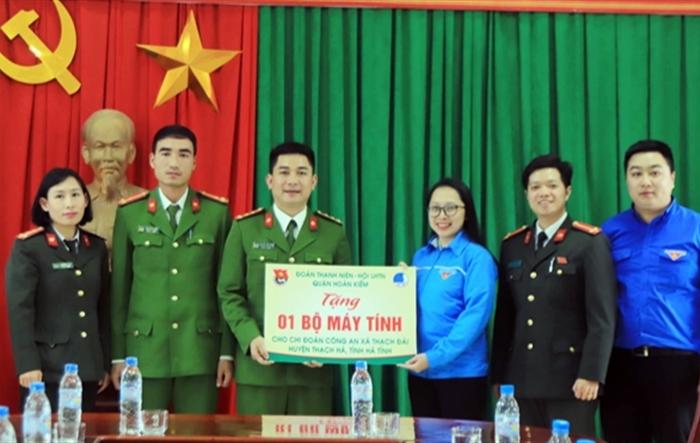 Tuổi trẻ Hoàn Kiếm tình nguyện tại huyện Cẩm Xuyên