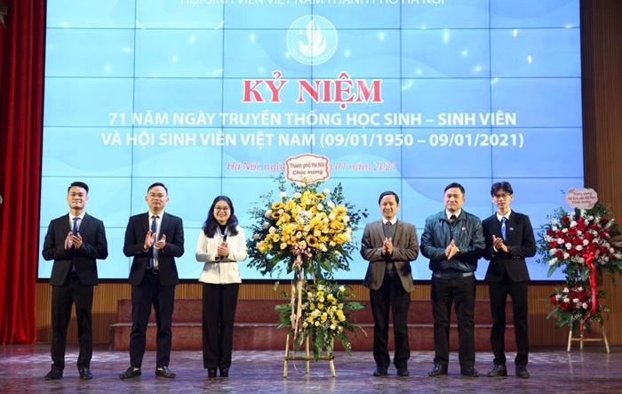 Sinh viên Thủ đô kỷ niệm ngày truyền thống, ra sức thi đua mừng Đoàn 90 tuổi