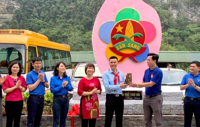 Khánh thành bức phù điêu tại Khu di tích lịch sử anh Kim Đồng