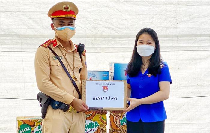 Thành đoàn Hà Nội: Ấm áp nghĩa tình chung tay chiến thắng dịch Covid-19