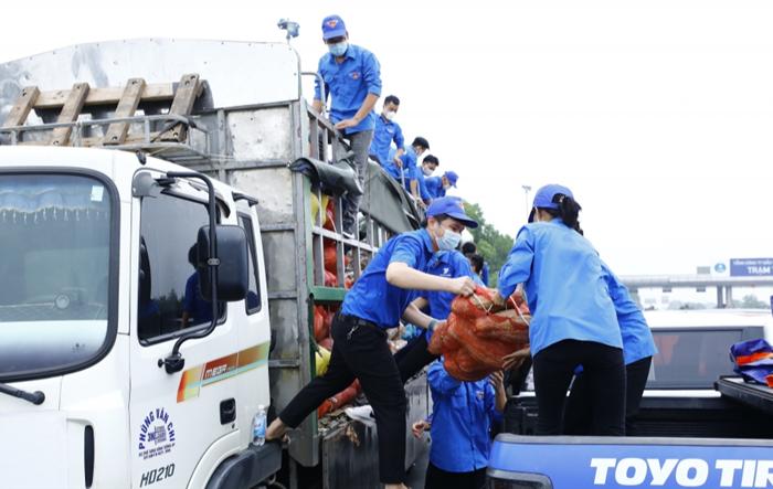 Tuổi trẻ Lào Cai gửi tặng 15 tấn nông sản, nhu yếu phẩm tới nhân dân Thủ đô